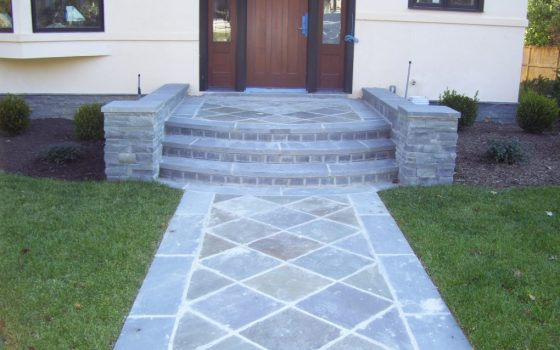 Affordable Brick Types You Can Use on Your New Custom Walkways