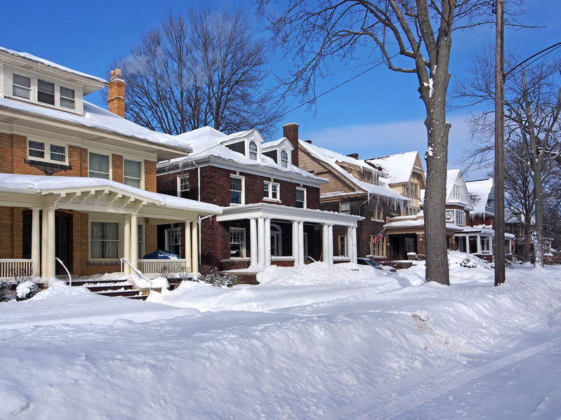 Common Winter Chimney Problems Homeowners Face (and How to Solve Them)