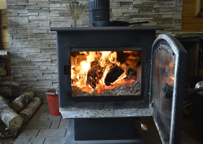 Considering a Woodstove for Your Home? 4 Things to Keep in Mind